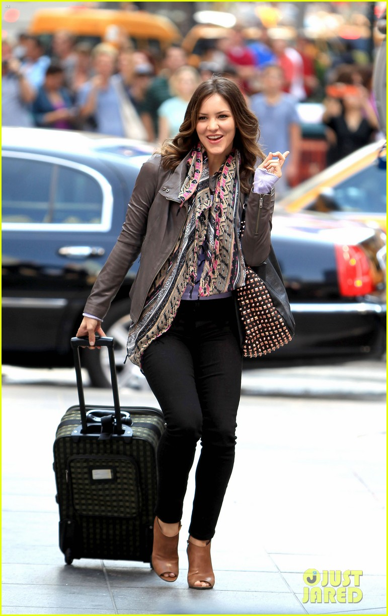 katharine mcphee smash filming on broadway 082693931