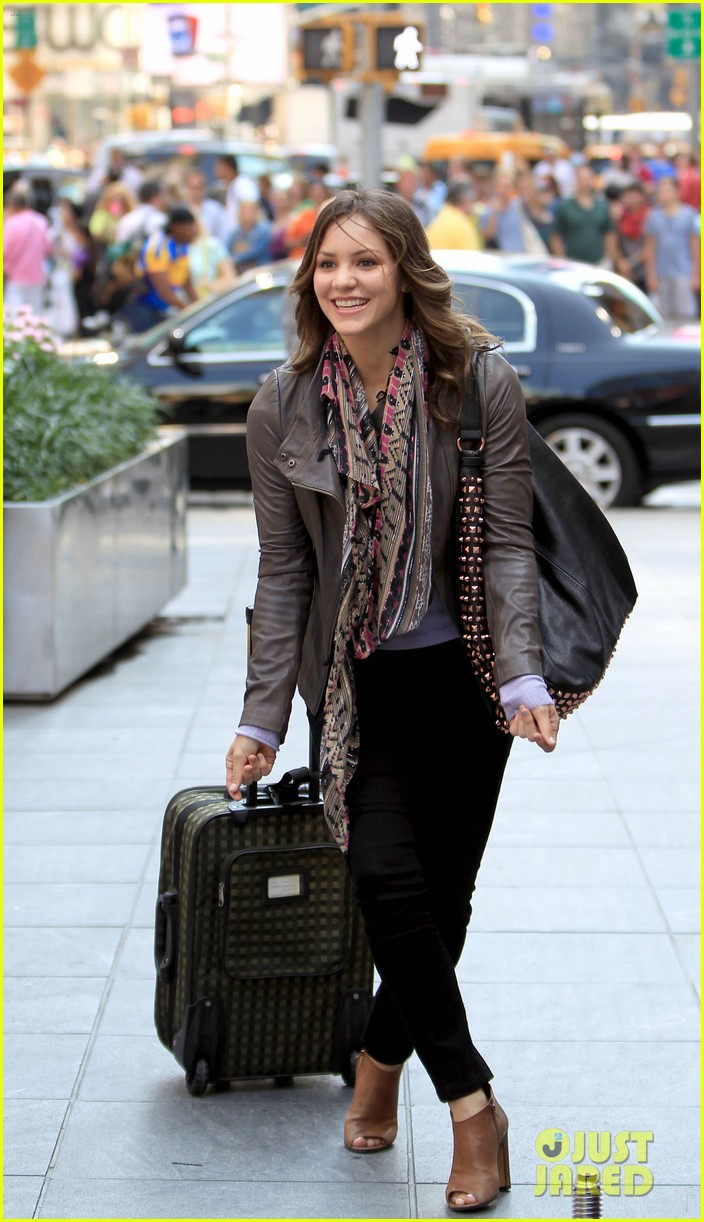 katharine mcphee smash filming on broadway 102693933