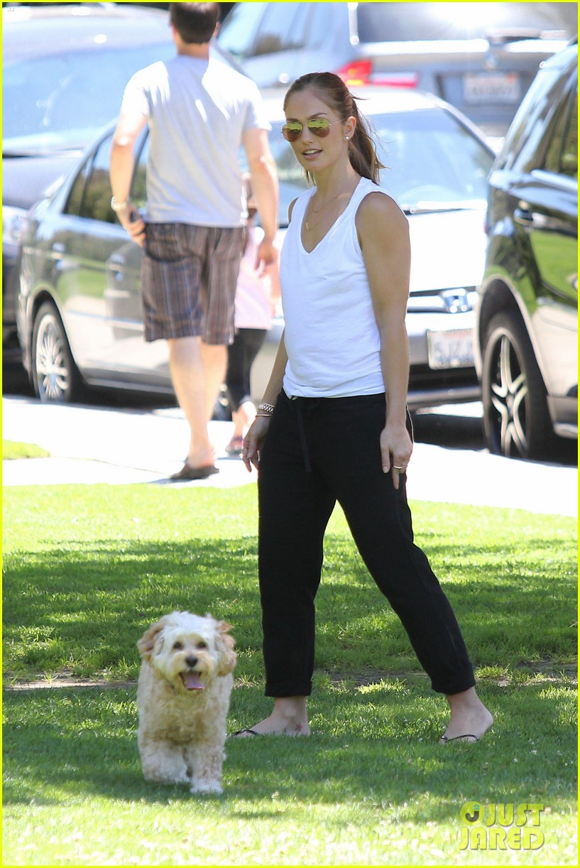 minka kelly chewy playing in the park 05