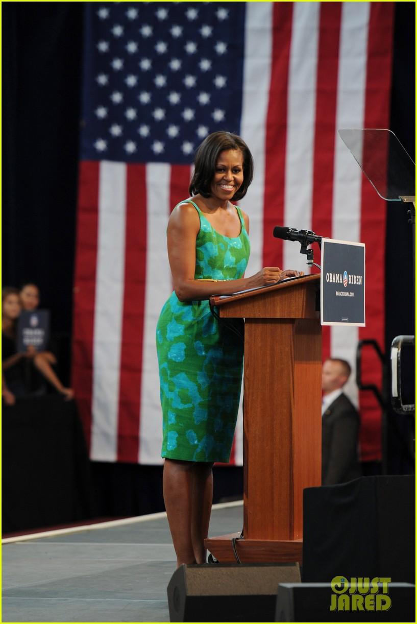 michelle obama rallies for obama campaign in florida 072686107
