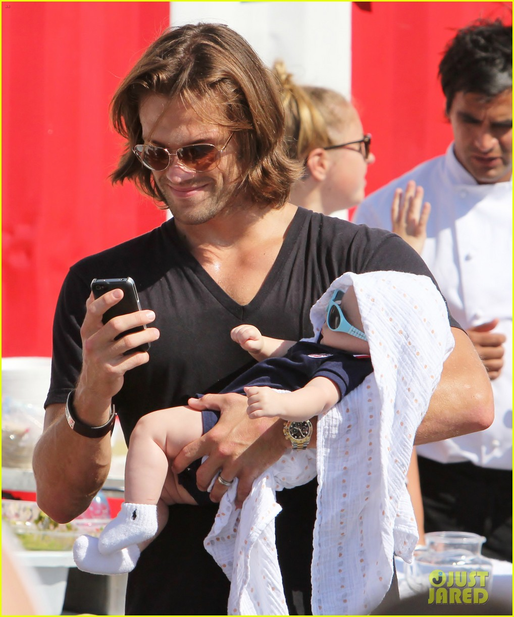 jared padalecki food festival with genevieve thomas 262694171