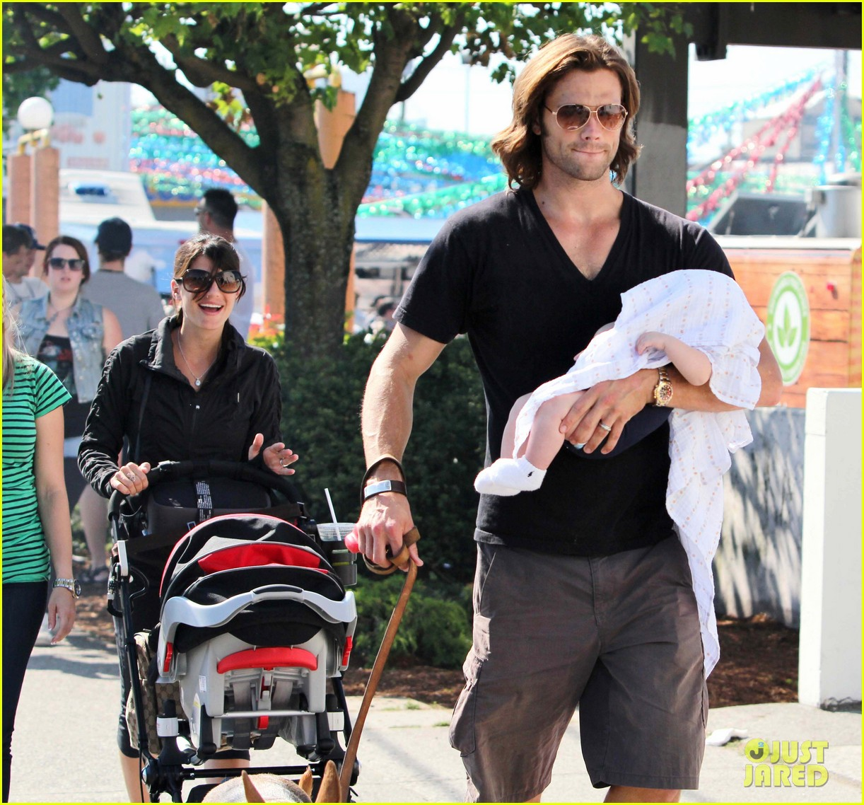 jared padalecki food festival with genevieve thomas 422694187