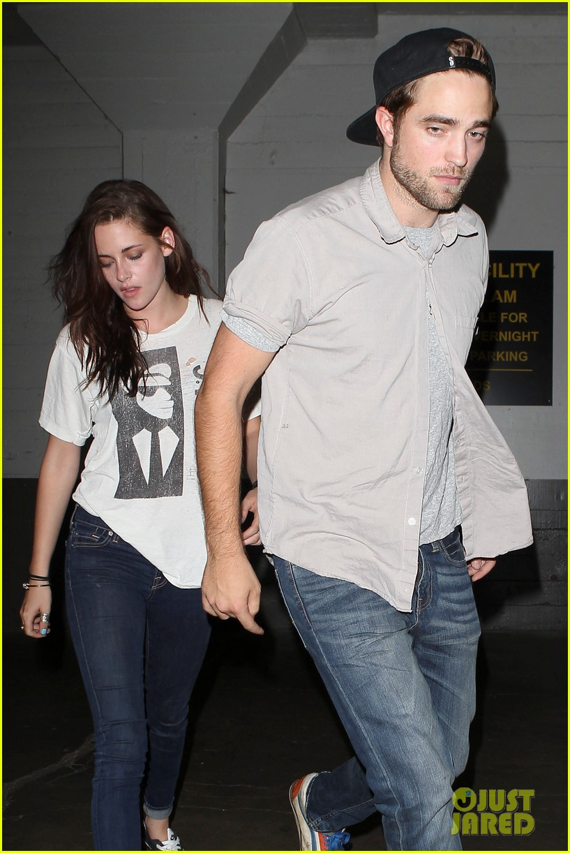 robert pattinson kristen stewart hotel cafe couple 102689765
