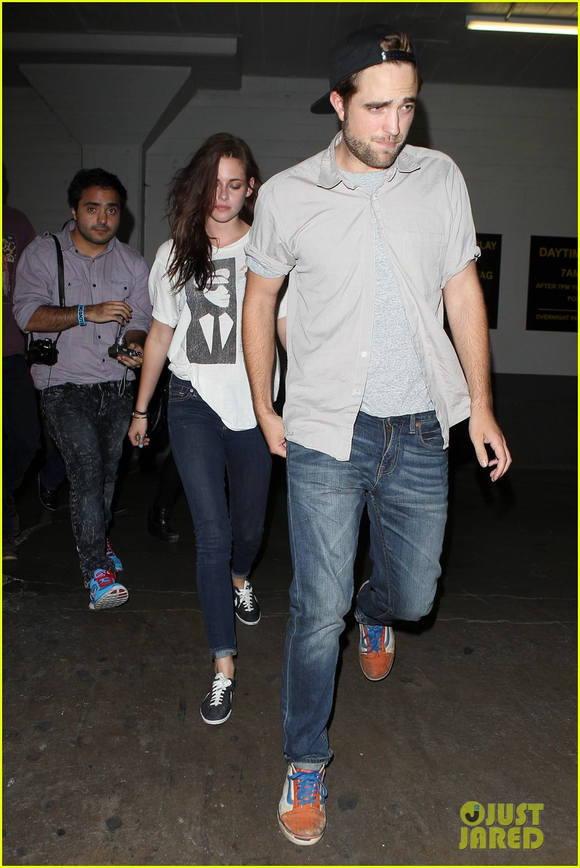 robert pattinson kristen stewart hotel cafe couple 14