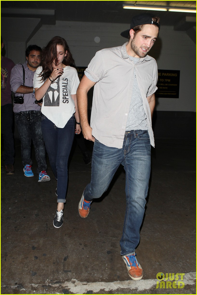 robert pattinson kristen stewart hotel cafe couple 17