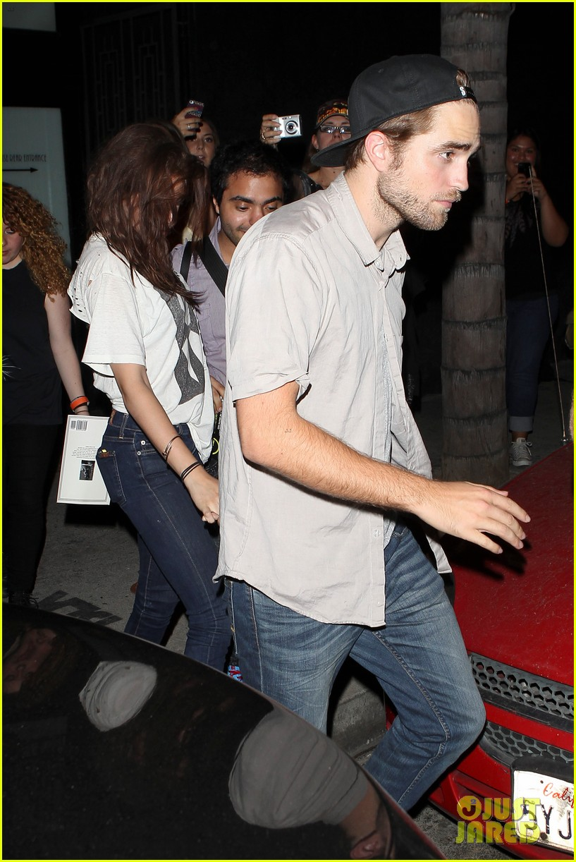 robert pattinson kristen stewart hotel cafe couple 282689783
