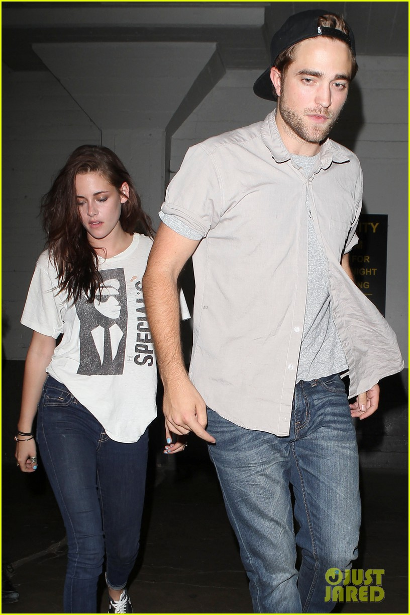 robert pattinson kristen stewart hotel cafe couple 302689785