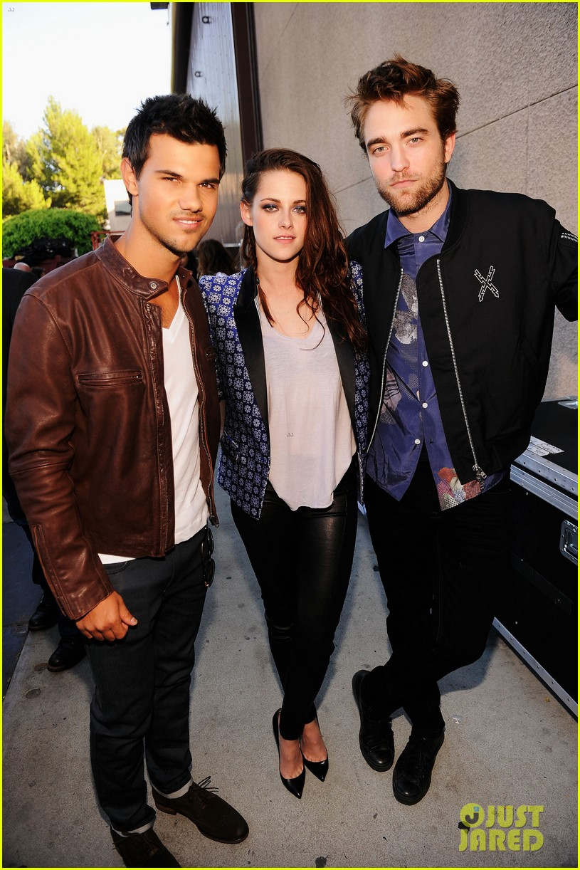 robert pattinson kristen stewart taylor lautner teen choice awards 2012 022690704