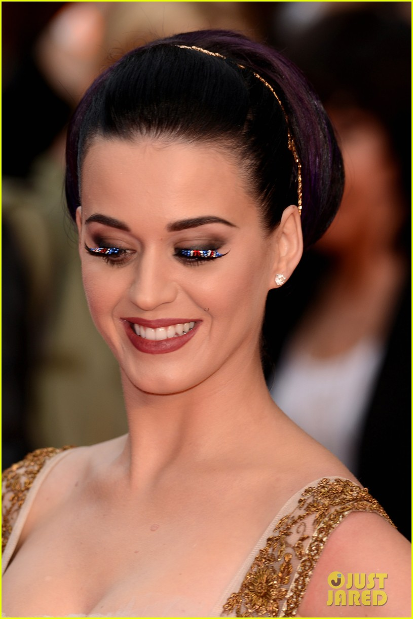katy perry red white blue eyelashes at uk premiere 072682549
