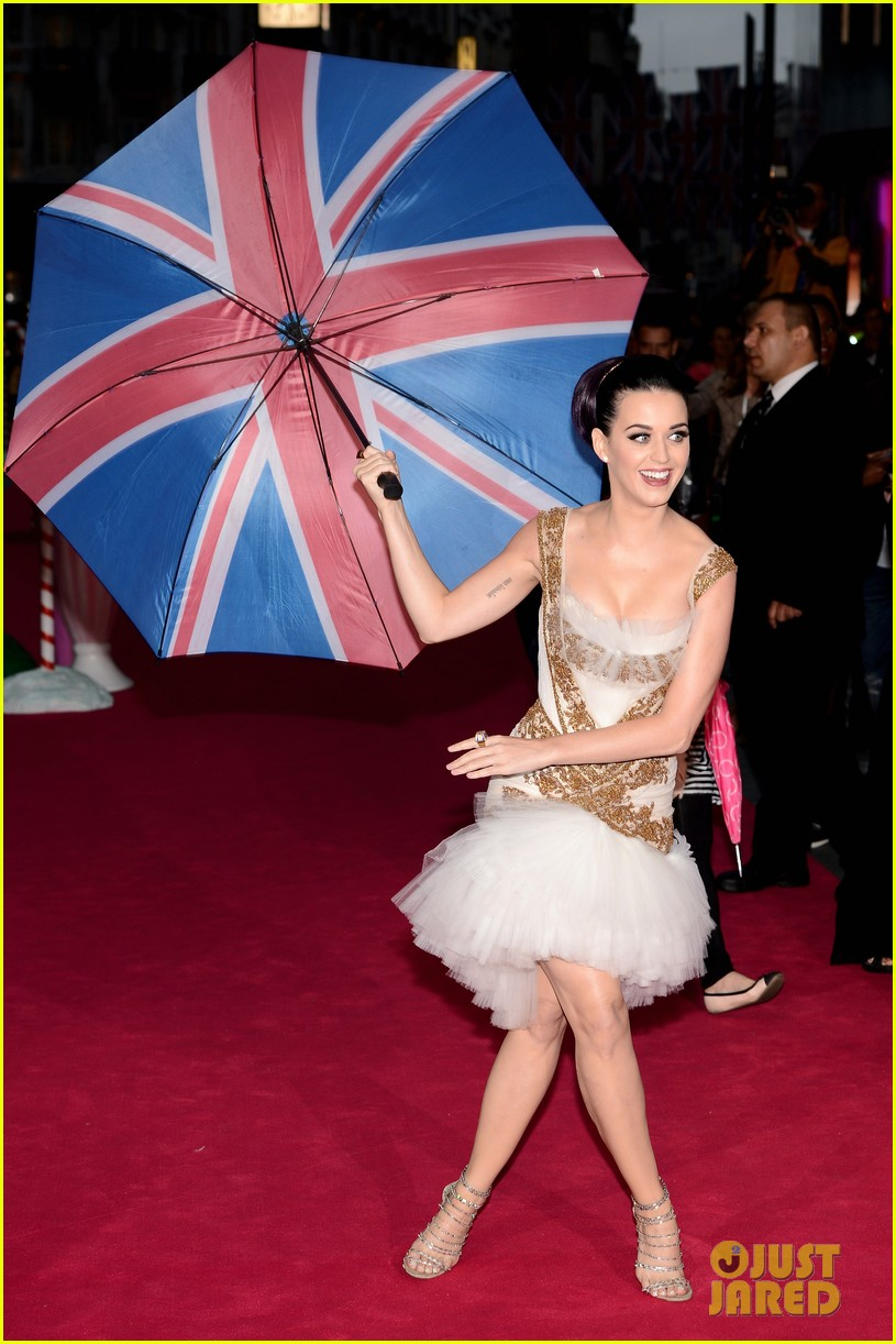 katy perry red white blue eyelashes at uk premiere 302682572