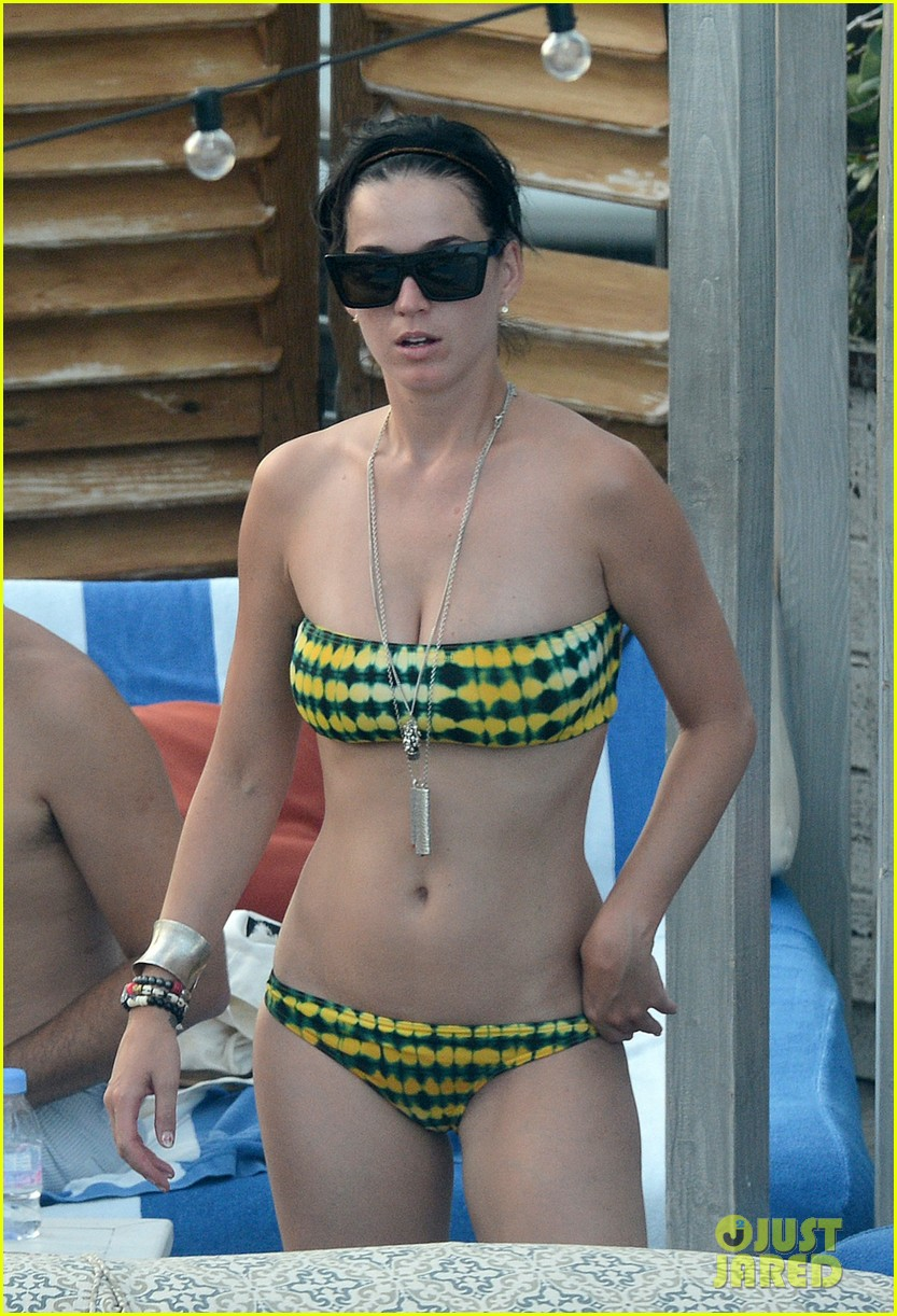 katy perry rooftop pool 04