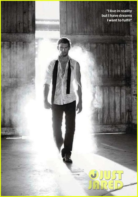 alex pettyfer mens health august 04