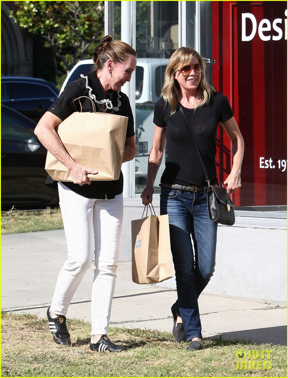 ellen pompeo beverly boulevard shopper 08
