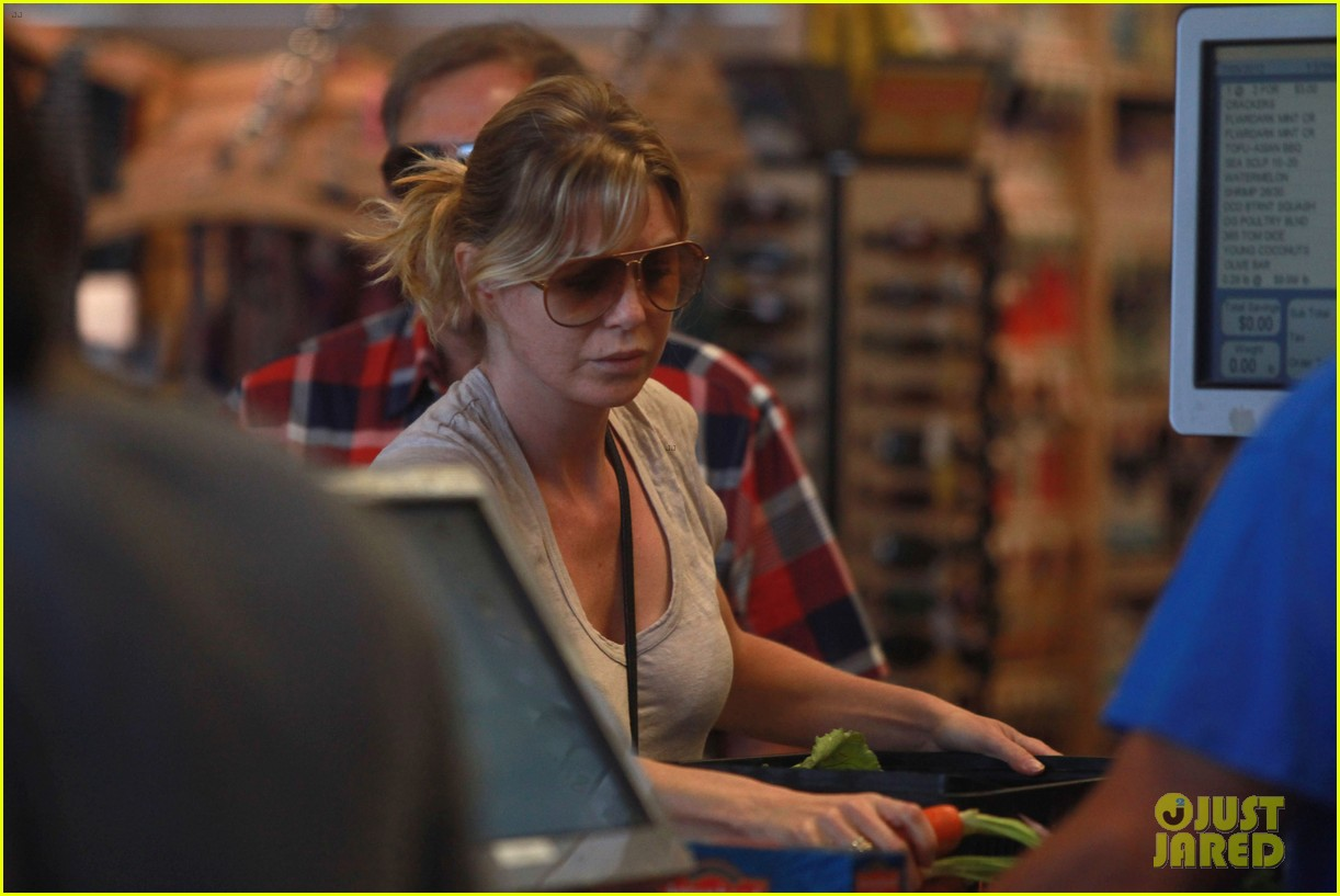 ellen pompeo whole foods grocery stop 072683849