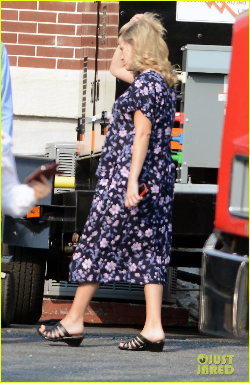 reese witherspoon pregnant on set 012682187