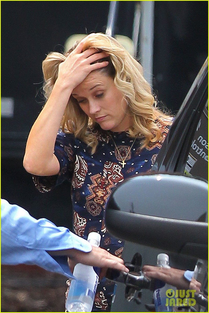 reese witherspoon pregnant on set 042682190