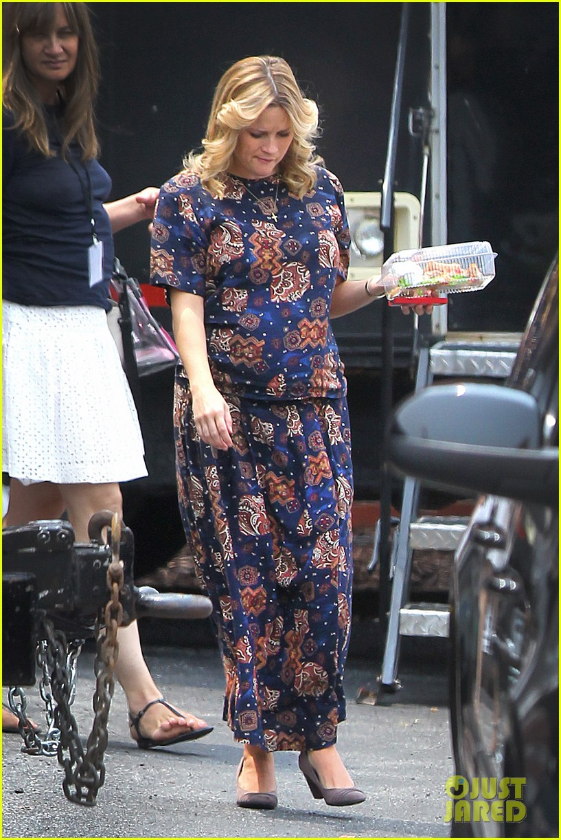reese witherspoon pregnant on set 052682191
