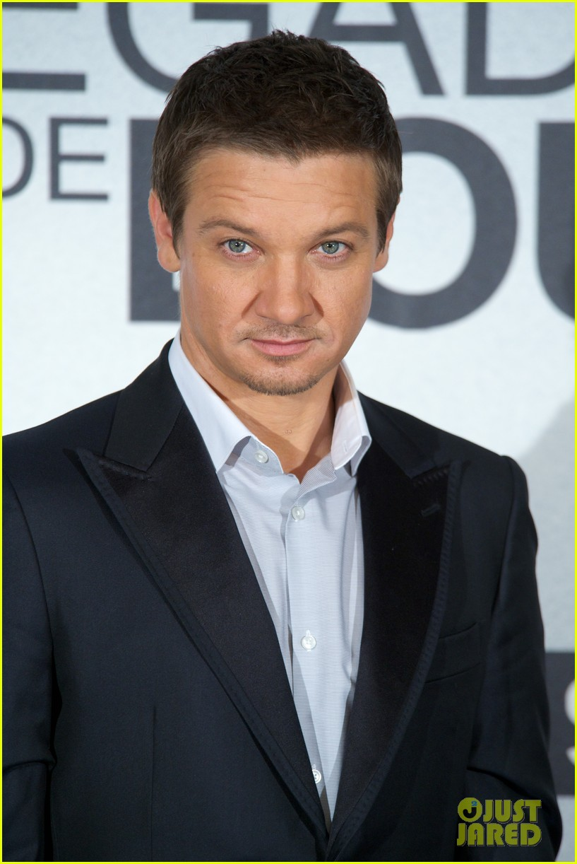 Jeremy Renner Ripped -...