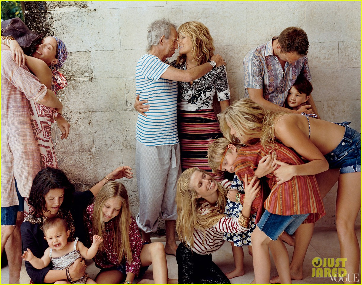 keith richards patti hansen family portait for vogue 012689327