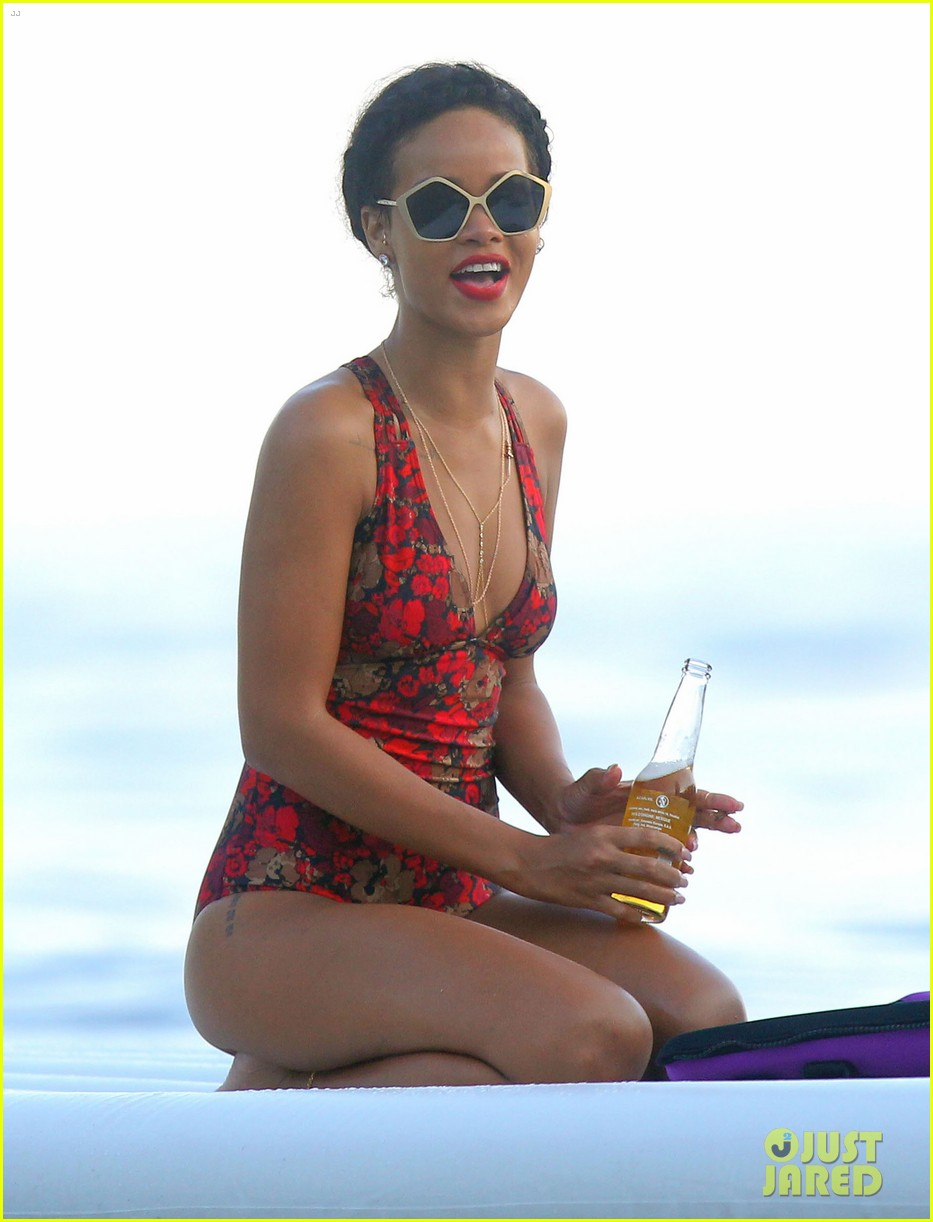 rihanna continues yacht tour in france 302692507