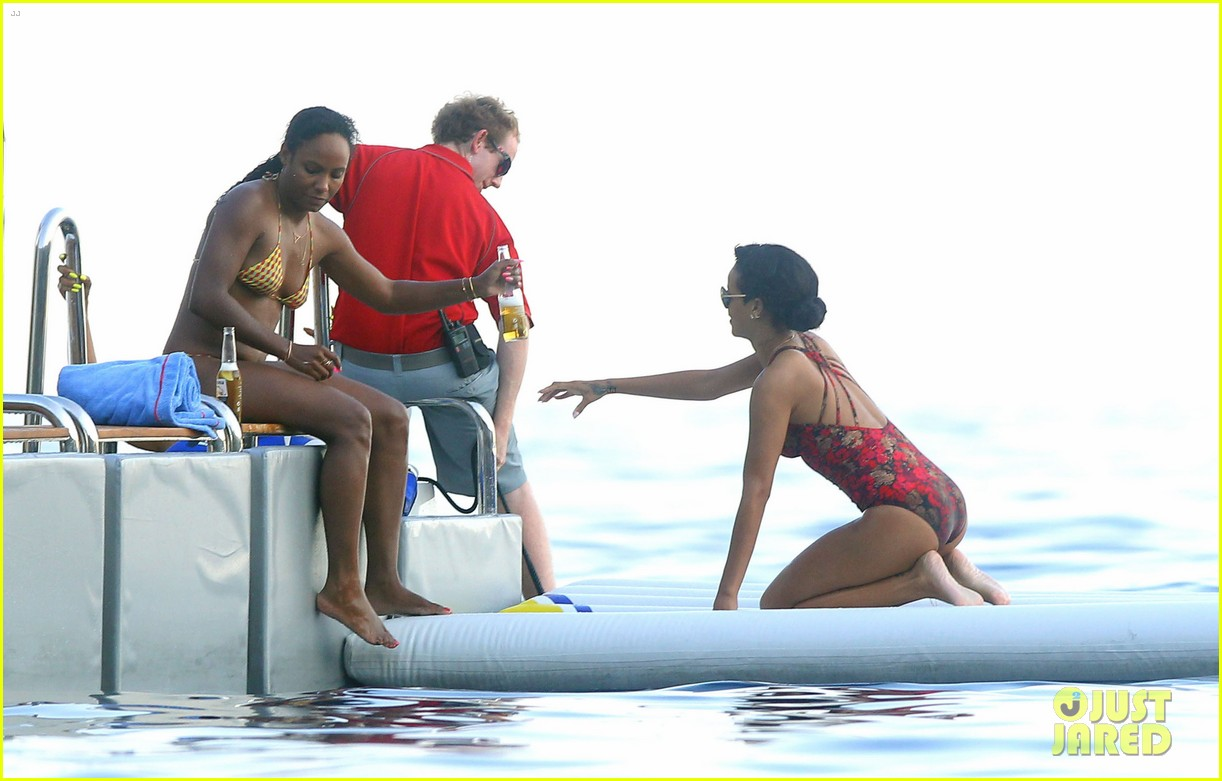 rihanna continues yacht tour in france 712692548
