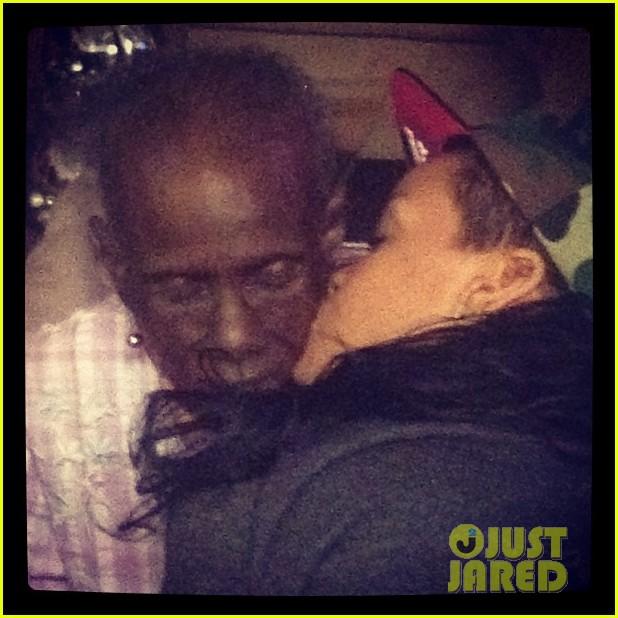 rihanna grandmother passes away 052681688