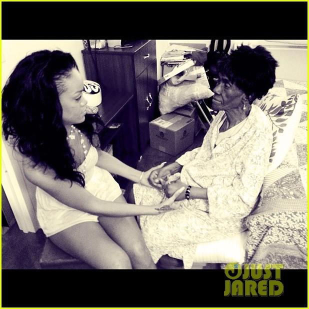 rihanna grandmother passes away 102681693