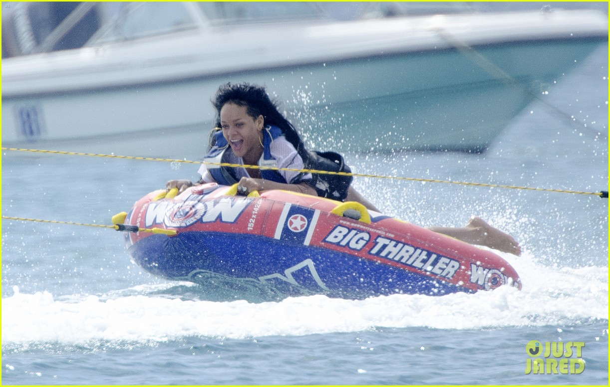 rihanna barbados boat ride 03
