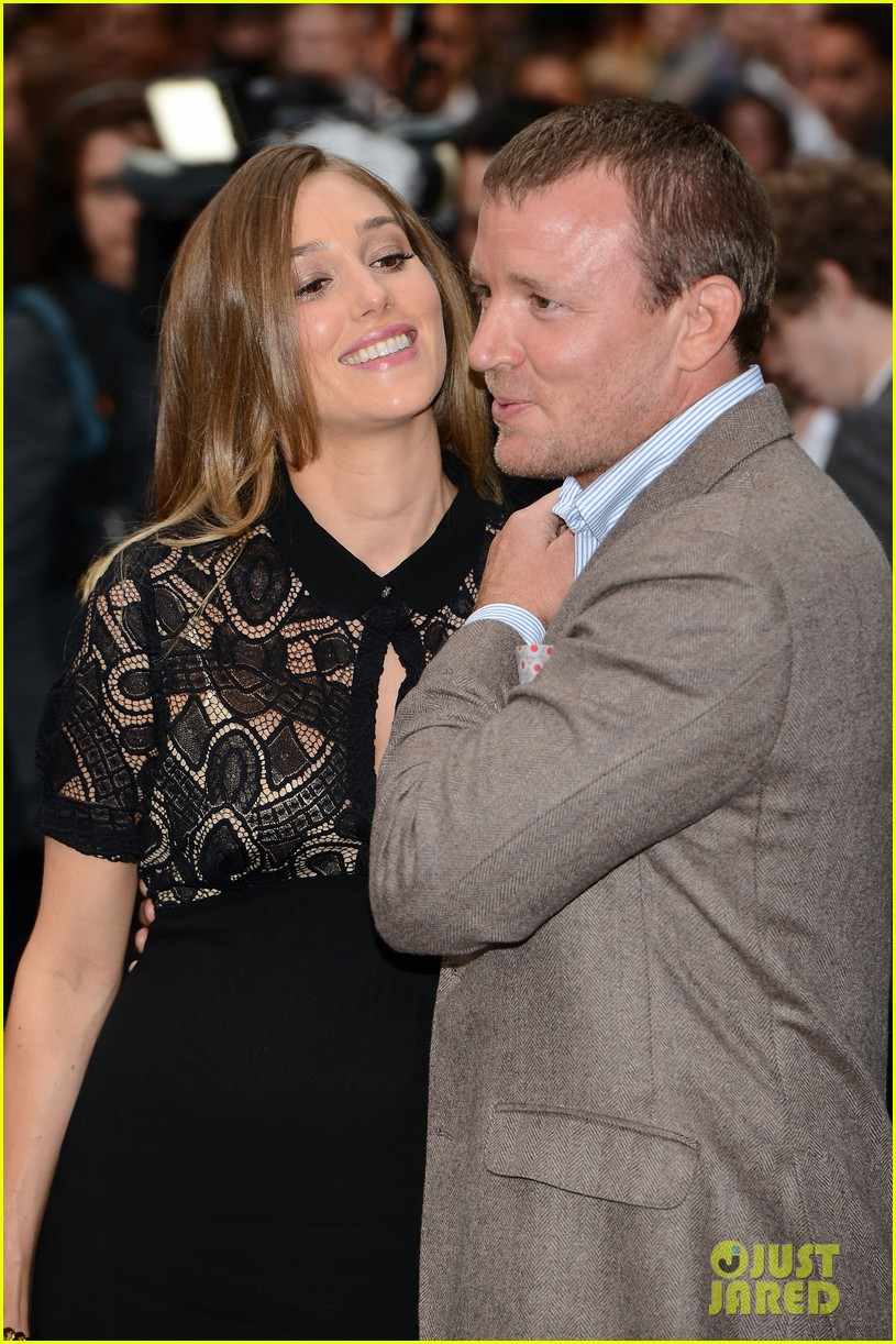 guy ritchie jacqui ainsley expecting second child 052689283