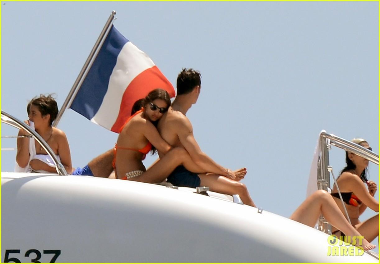 cristiano ronaldo irina shayk bangin beach bods 082682473