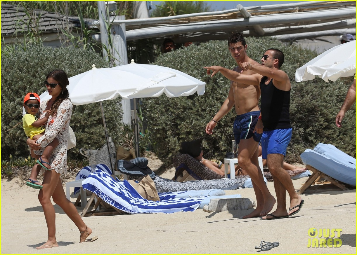 cristiano ronaldo irina shayk bangin beach bods 322682497