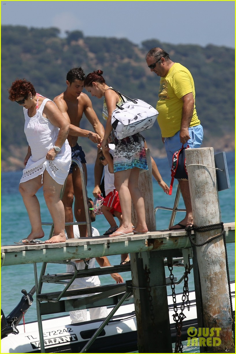 cristiano ronaldo irina shayk bangin beach bods 382682503