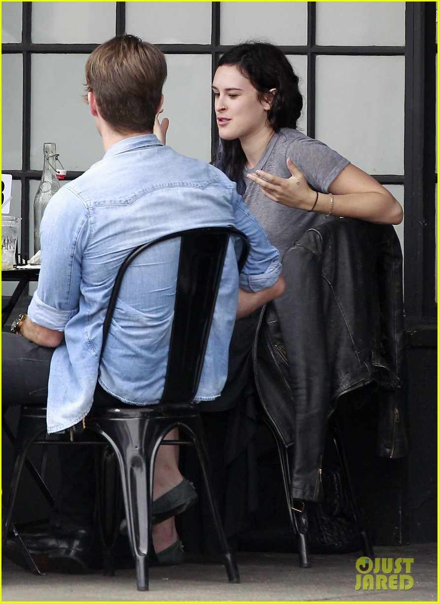 rumer willis bare lunch at joans 14