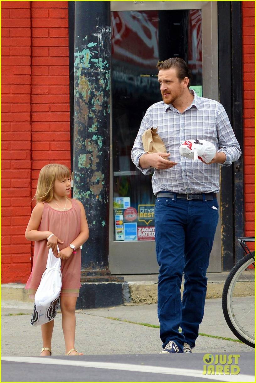 jason segel breakfast with matilda 01