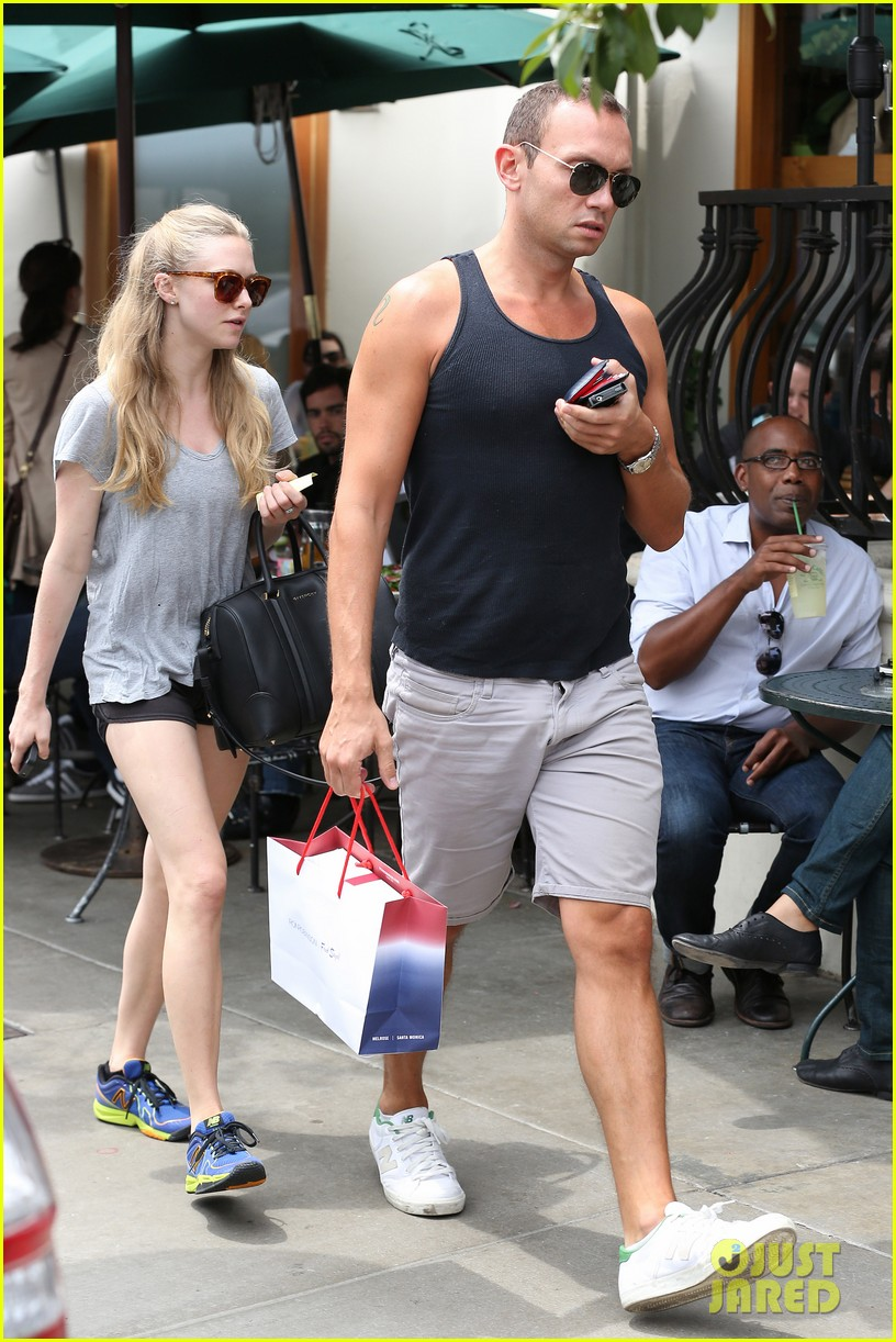 amanda seyfried keeping active 032687251