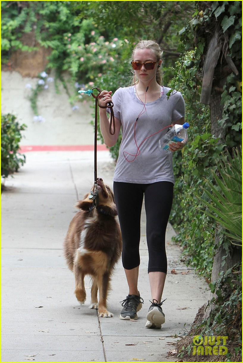 amanda seyfried keeping active 152687263