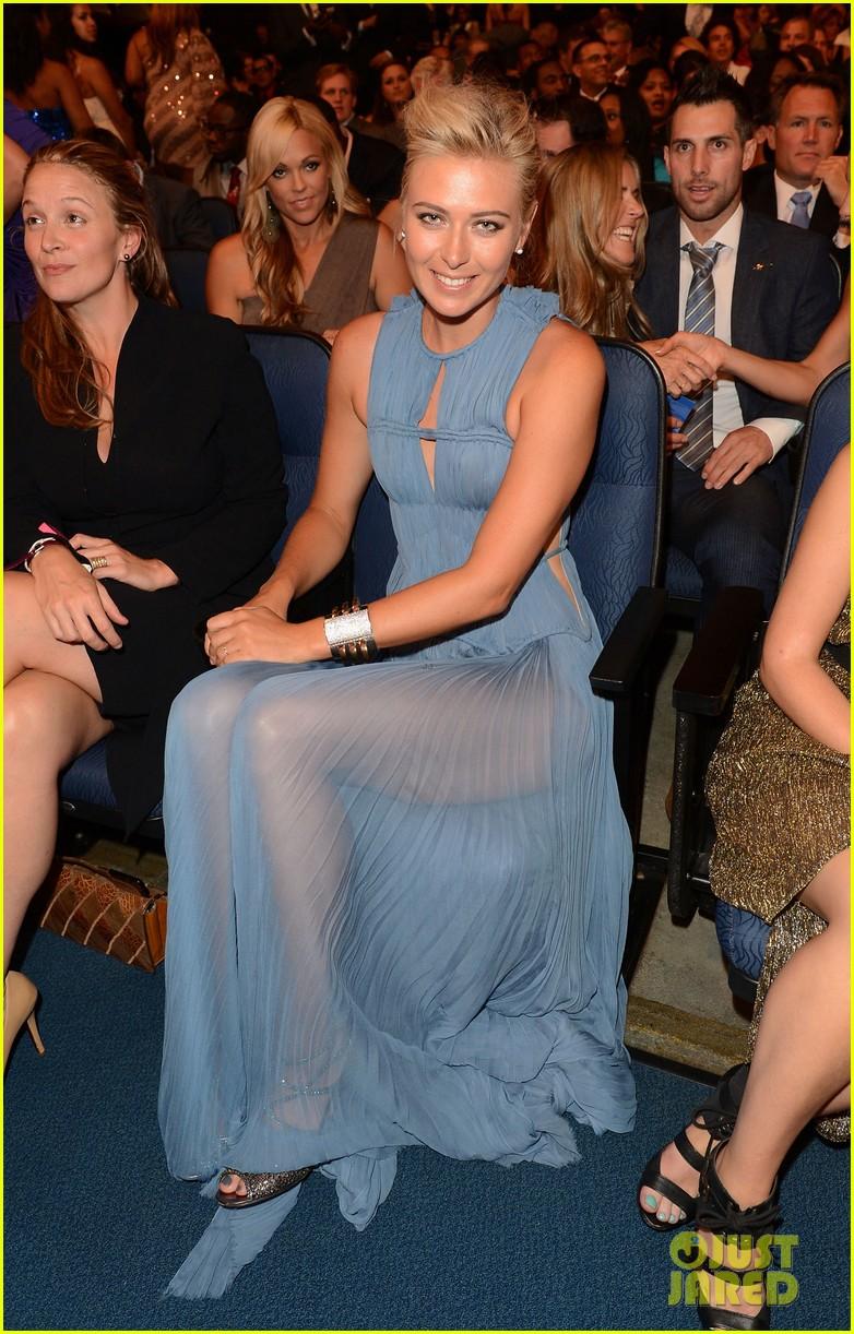 maria sharapova espy awards 2012 red carpet 032686019
