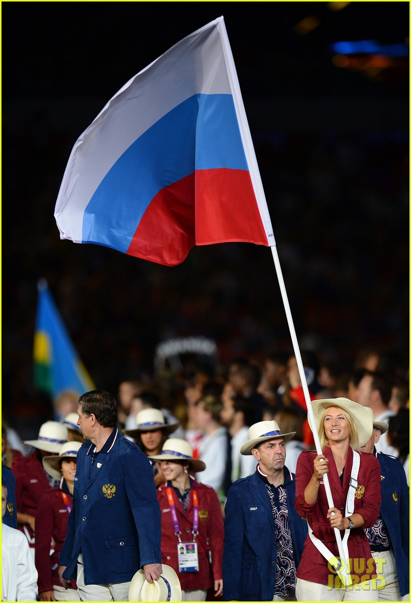 maria sharapova novak djokovic olympic flag bearers 02