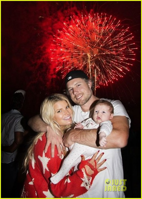 jessica simpson celebrates july 4th with baby maxwell2683740