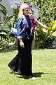 sarah michelle gellar pregnant stroll with charlotte 06