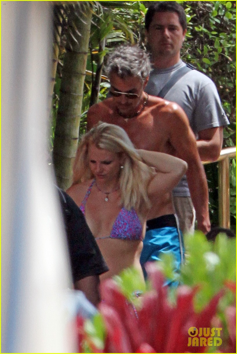britney spears bikini hawaii 02