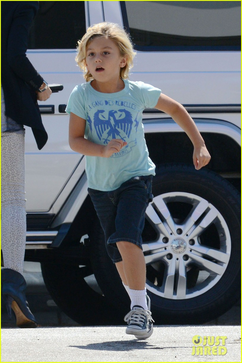 gwen stefani errands with boys 04