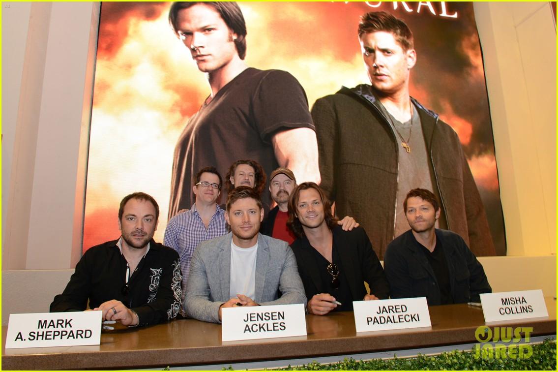 Jared Padalecki Jensen Ackles Supernatural At Comic Con