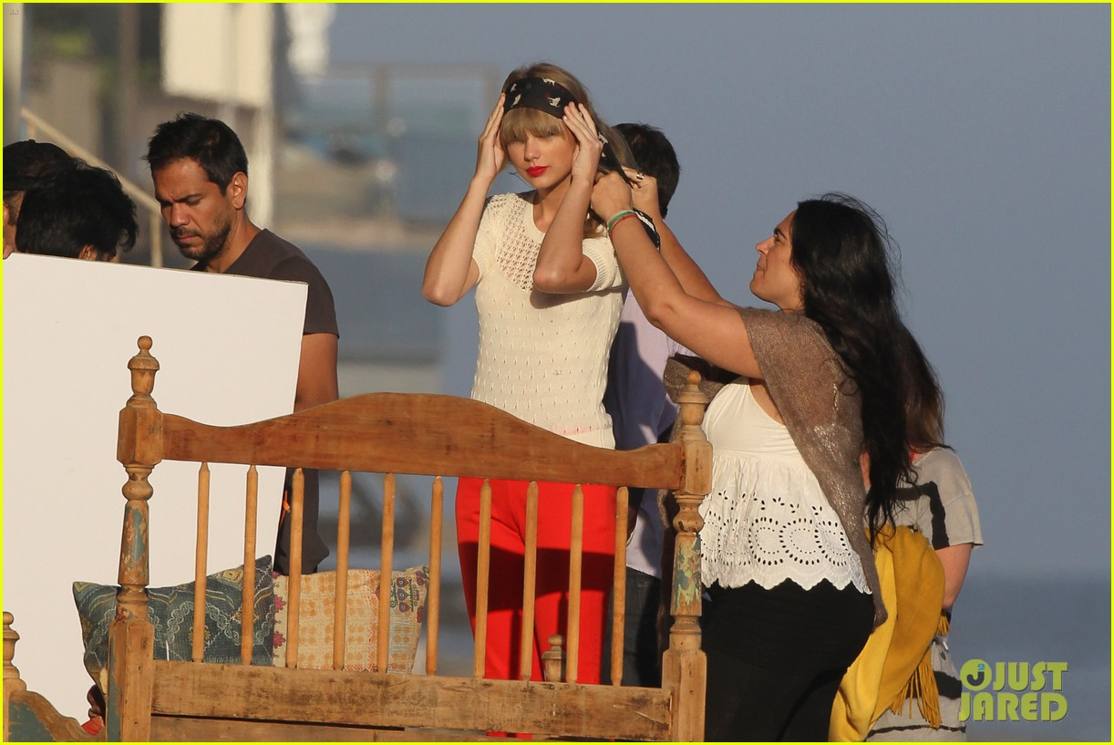 taylor swift beach photo shoot 13