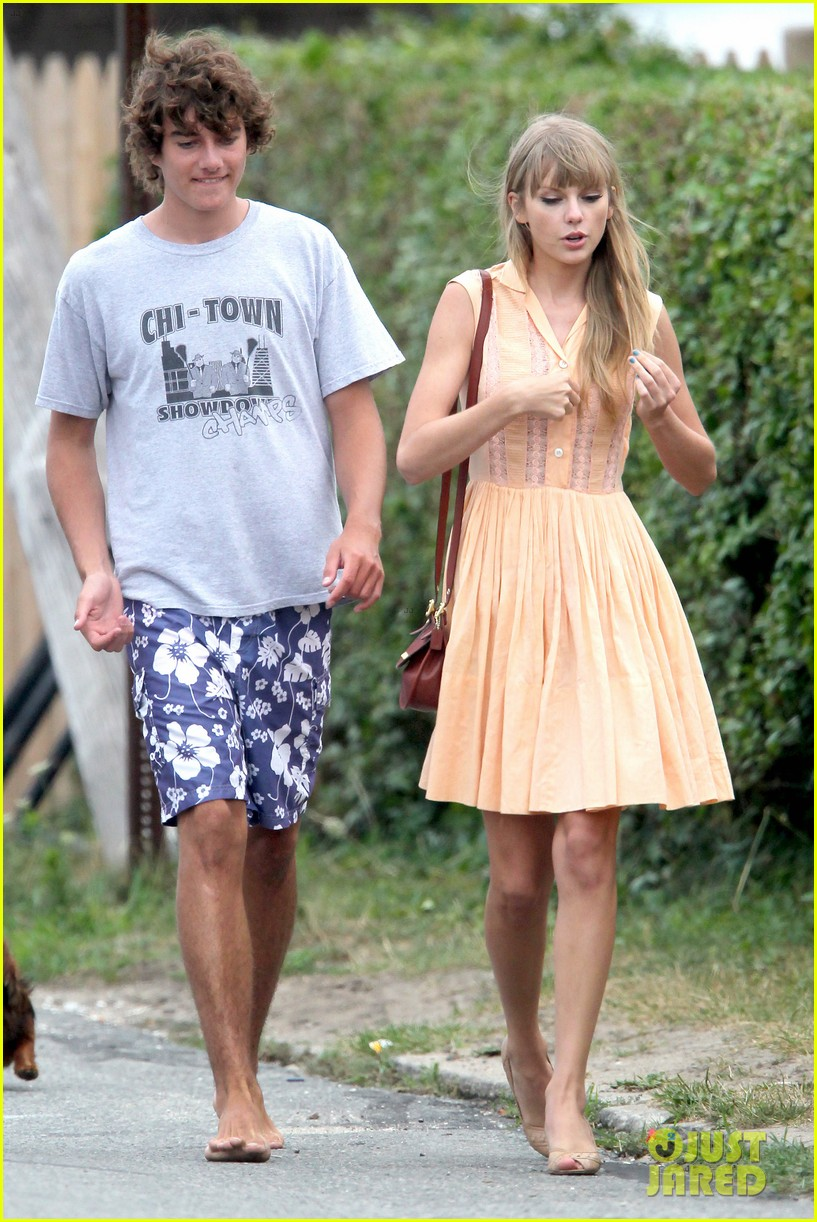taylor swifts romantic weekend with conor kennedy pics 03
