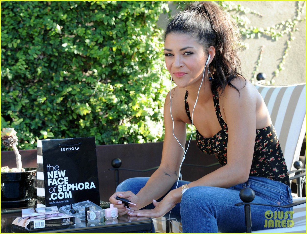 jessica szohr at home manicure 012691719