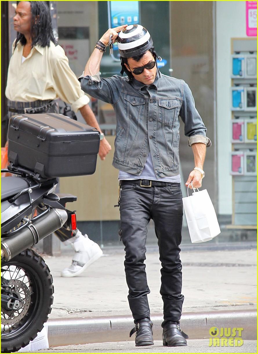 justin theroux new york shopper 092690818