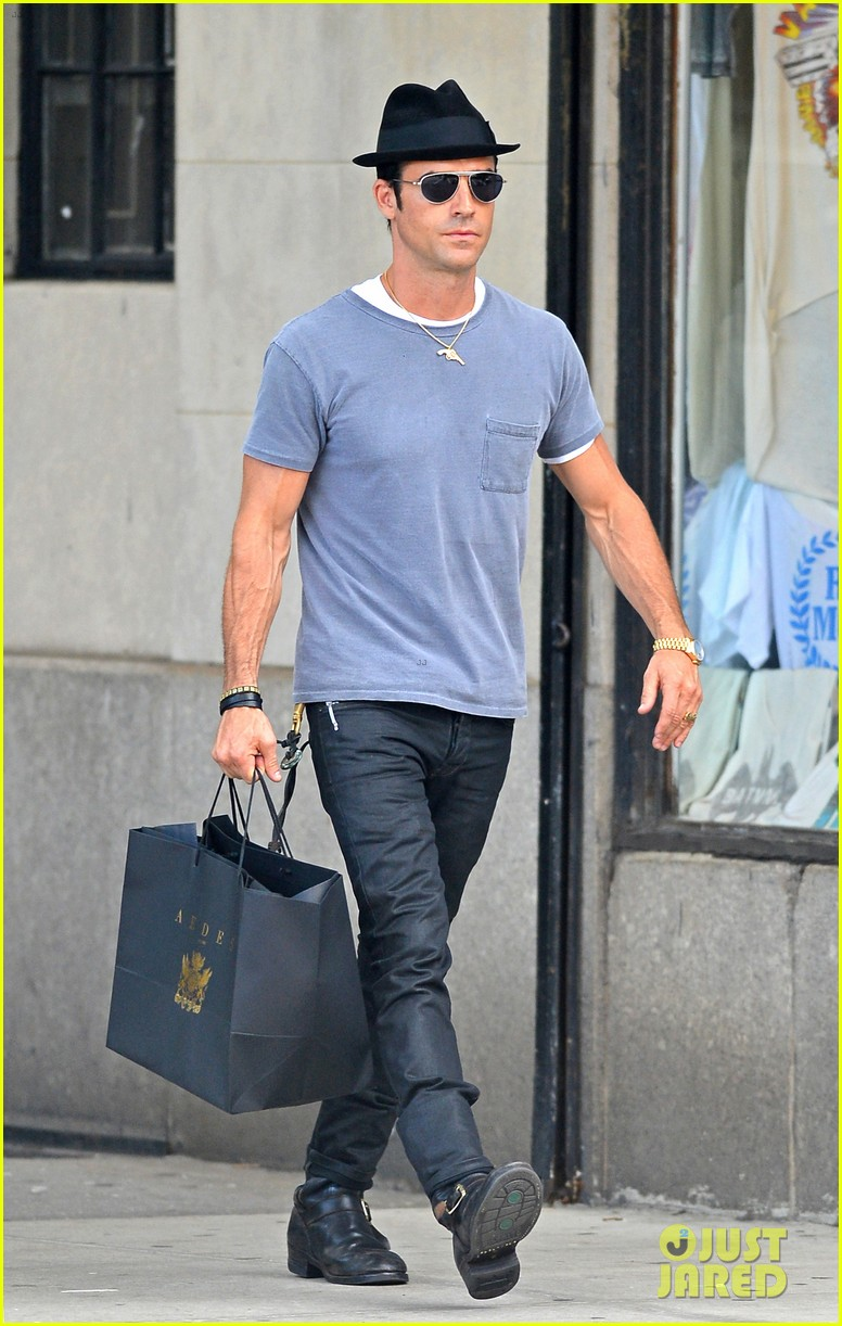 justin theroux new york shopper 112690820