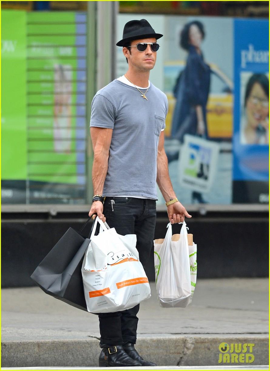 justin theroux new york shopper 132690822
