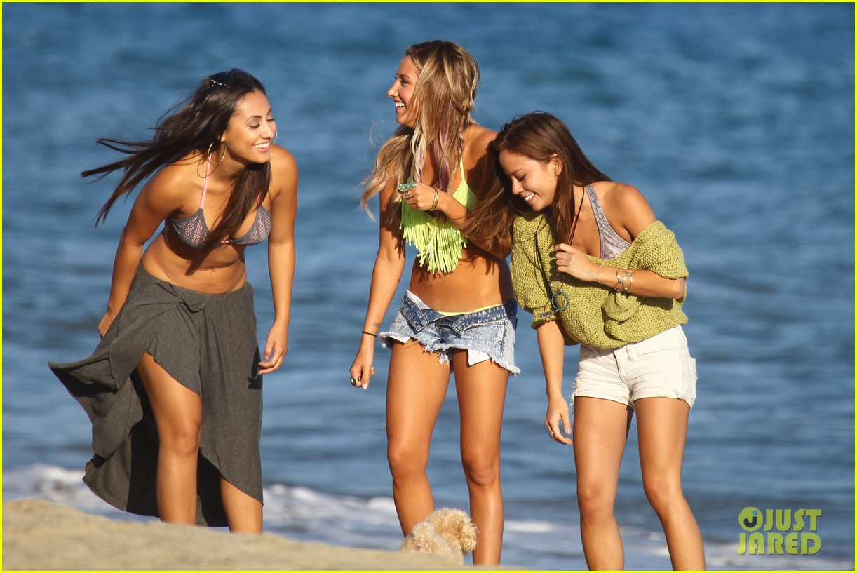 vanessa hudgens happy bikini birthday ashley tisdale 032682235